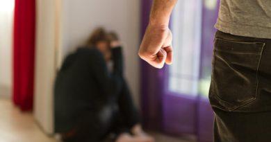 Житель Слободского несколько месяцев избивал свою сожительницу