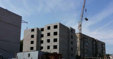 В Вахрушах продолжается строительство дома для переселения граждан из аварийного жилья